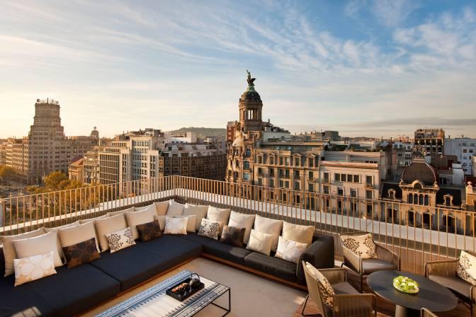 barcelona-suite-penthouse-suite-terrace-views-1