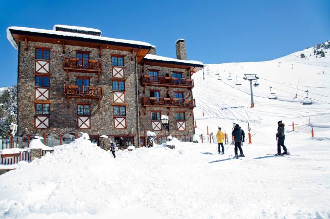 EXTERIOR HOTEL AMB ESQUIADORS