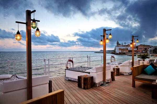 Guide to sitges sitges apartments villas for sale and for Viveros barcelona