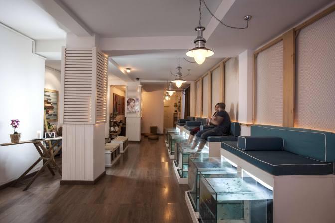 Fish_Pedicure_Aquabliss_Fish_Spa_View_Spa_Salon_small