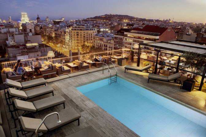 terrace-cocktail-bar-la-dolce-vitae-majestic-hotel-barcelona-center